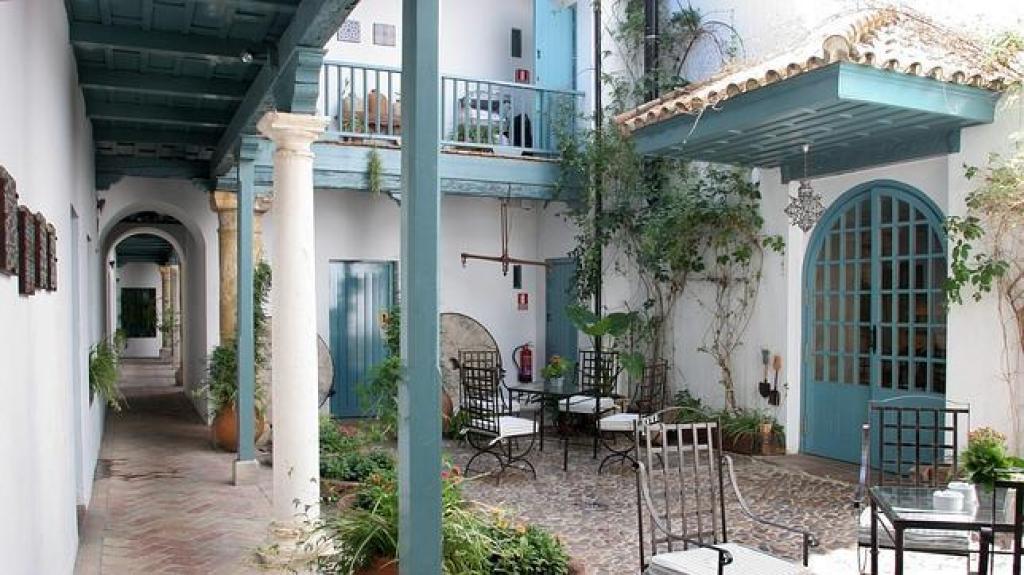 Hotel las casas de la juder a hotel en sevilla - La casa de los uniformes sevilla ...