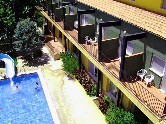 Hotel rio piscina hotel en priego de c rdoba for Hotel con piscina en cordoba