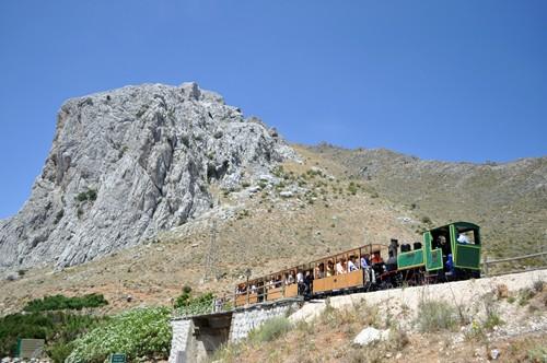 Recuperan el ferrocarril que unía Granada y Málaga por el